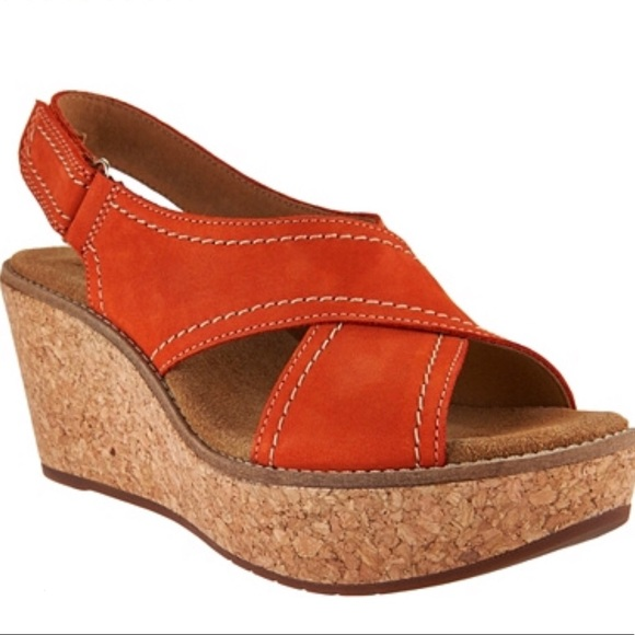 Clark's Artisan Leather Cross Band Wedge Size 11</p>                     </div>   <!--bof Product URL --> <!--eof Product URL --> <!--bof Quantity Discounts table --> <!--eof Quantity Discounts table --> </div>                        </dd> <dt class=